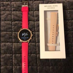 Michael kors access runway smart watch